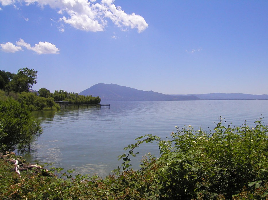 Clearlakeca.jpg by wikicommons